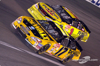Matt Kenseth passes Steve Park.