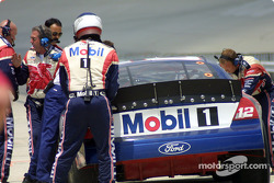Pitlane action for Jeremy Mayfield
