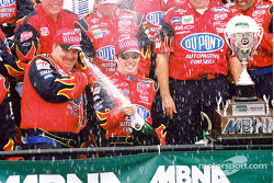 Time for the champagne in Victory Lane