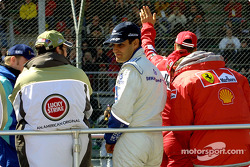Drivers' parade: Jacques Villeneuve and Juan Pablo Montoya