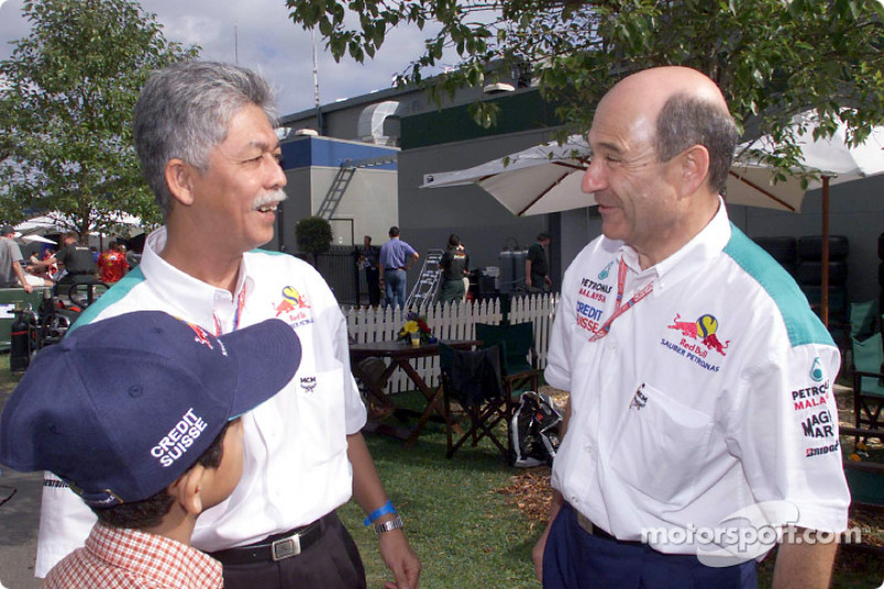 Peter Sauber and friends from Petronas