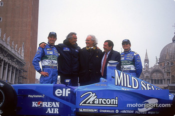 Jenson Button, Flavio Briatore, Luciano Benetton, Patrick Faure and Giancarlo Fisichella with the new car