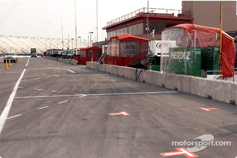 Pit road before the rush