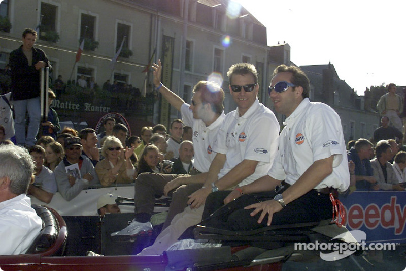 Team Johansson Motorsports during the drivers parade: Patrick Lemarie, Stefan Johansson and Tom Coronel