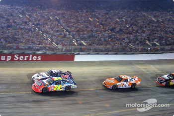 Jeff Gordon leading the field