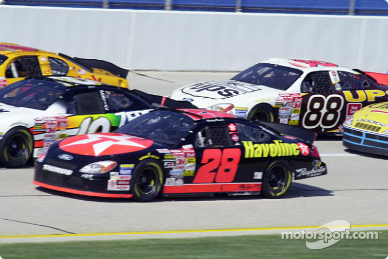 Ricky Rudd in the middle of the pack
