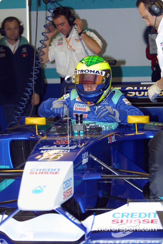 Felipe Massa getting ready