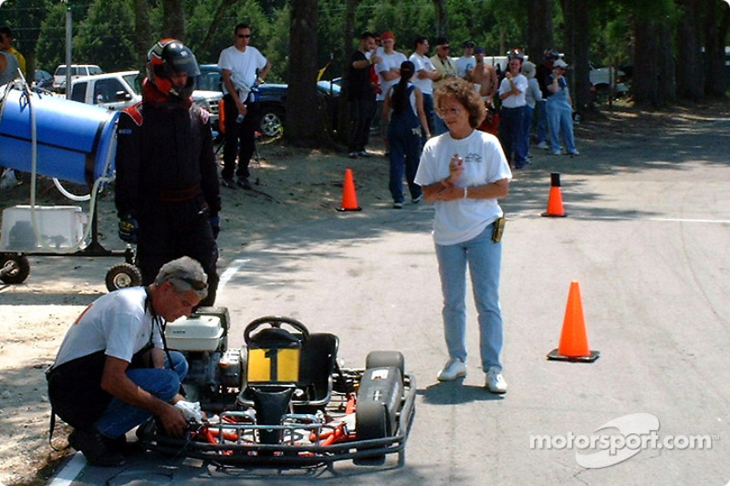 Under the watchful eye of the track marshal, Alex Job Racings #1 endurance Kart gets pit stop service