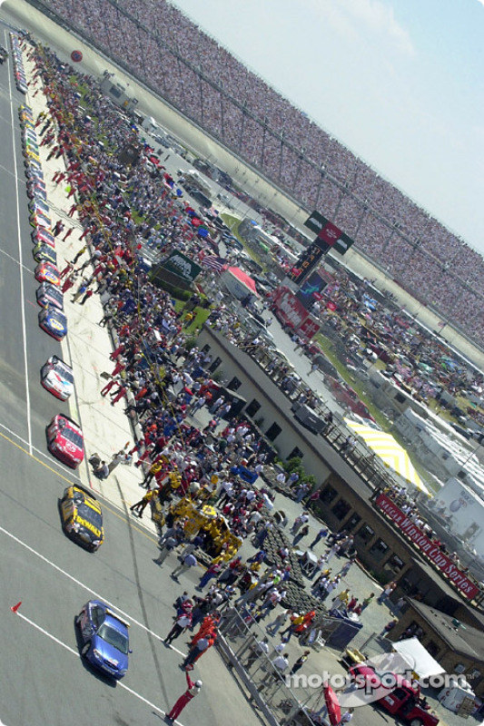 The cars pulling out for the pace lap