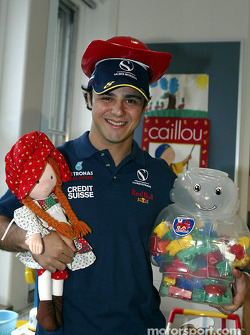 Visit of the Sainte-Justine Children hospital of Montreal: Felipe Massa
