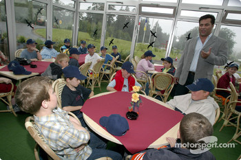 Nick Heidfeld and Felipe Massa giving lessons at the Driving Safety Center in Nürburgring, to the children from class 3a from Grundschule Kelberg