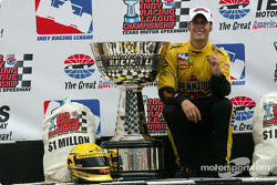 Sam Hornish Jr. with IRL 2002 Series Championship trophy