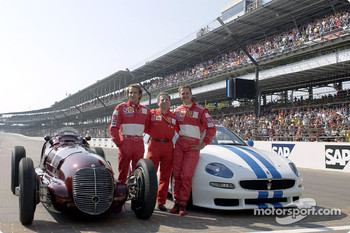 Luca Badoer, Jean Todt and Michael Schumacher with the Maserati 8CTF and the Trofeo