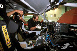 Nissan Rally Raid Team tests in South Africa: in the workshop