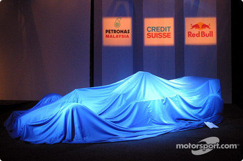 The new Sauber Petronas C22 still under cover