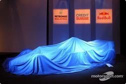 The new Sauber Petronas C22 still under cover