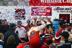 Ricky Craven arrives on victory lane