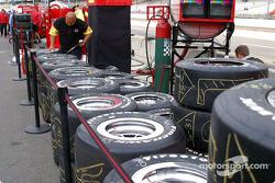 Scott Sharp's tires ready
