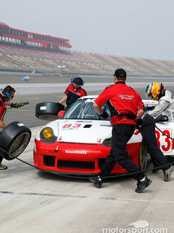 The Rennwerks team executes a pitstop and driver change during Sunday morning practice.