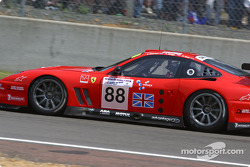 #88 Veloqx Prodrive Racing Ferrari 550 Maranello: Tomas Enge, Peter Kox, Jamie Davies heads to the starting grid