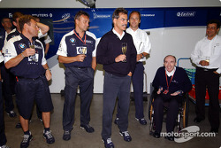Dr Mario Theissen, Gerhard Berger, Frank Williams and other members celebrate an extention of five years to the existing contract between BMW and Williams