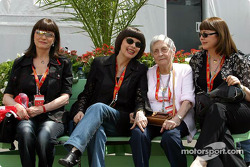Ferrari guests: singer Mireille Mathieu with her mother and sisters
