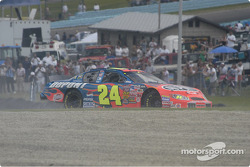 Jeff Gordon Spins in turn one