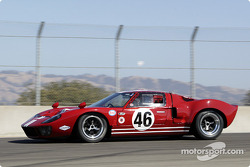 #46 1965 Ford GT-40