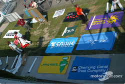 Banner organizing