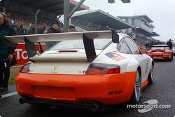 #36 Sebah QM Engineering Ltd Porsche GT3-RS on the starting grid