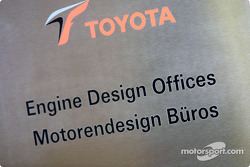 Engine design office