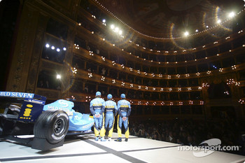 Fernando Alonso, Jarno Trulli and Franck Montagny on stage with the new Renault R24