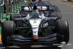 McLaren waits for technical inspection