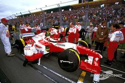 Cristiano da Matta on the starting grid