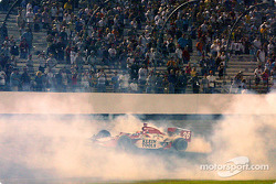 Dan Wheldon does donuts