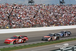 Jeremy Mayfield makes his way through the field