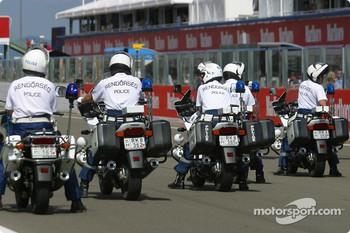 Police forces before the drivers parade