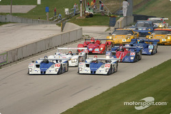 #16 Dyson Racing Team Lola AER: James Weaver, Butch Leitzinger, #20 Dyson Racing Team Lola AER: Chris Dyson, Andy Wallace lead the field to the green flag