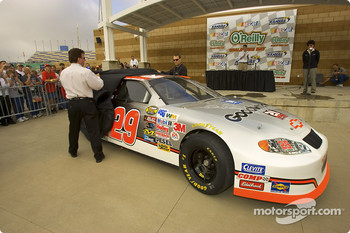 Richard Childress and driver, Kevin Harvick unveil their 2005 Daytona 500 paint scheme
