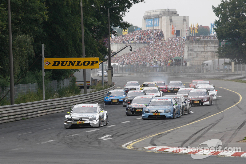 Start: Ralf Schumacher, Team HWA AMG Mercedes C-Klasse leads the field