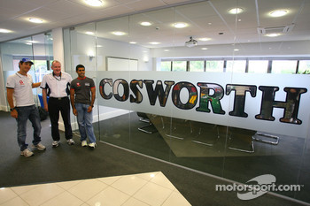 Bruno Senna, Hispania Racing F1 Team, Mark Gallagher, General Manager of Cosworth's F1 Business Unit and Karun Chandhok, Hispania Racing F1 Team, visit of the Cosworth factory in Northhampton