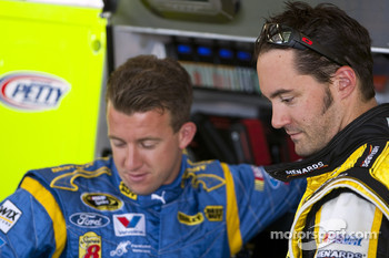 Paul Menard, Richard Petty Motorsports Ford and A.J. Allmendinger, Richard Petty Motorsports Ford