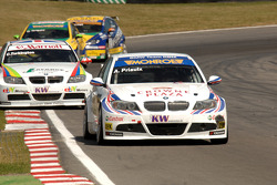 Andy Priaulx leads Colin Turkington and SEATs
