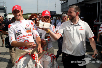 Jenson Button, McLaren Mercedes, Lewis Hamilton, McLaren Mercedes and some cake