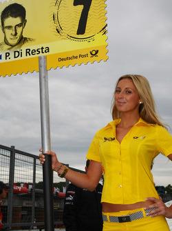 Paul di Resta, Team HWA AMG Mercedes C-Klasse grid girl