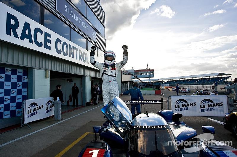 #1 Team Peugeot Total Peugeot 908 HDi-FAP: Anthony Davidson, Nicolas Minassian wins
