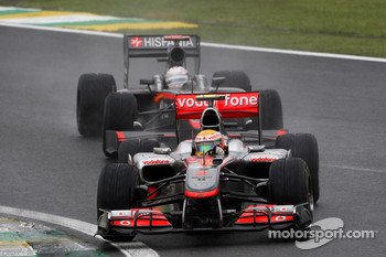 Lewis Hamilton, McLaren Mercedes leads Christian Klien, Hispania Racing F1 Team