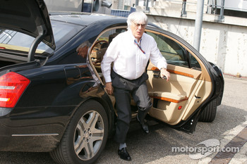 Ecclestone admits payment to Gribkowsky