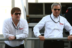Paul Hembery, Pirelli Motorsport Director and Maurizio Boiocchi, Pirelli R&D director