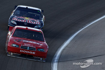 Brad Keselowski, Penske Racing Dodge and Kasey Kahne, Red Bull Racing Team Toyota